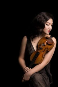 JinJoo Cho with violin