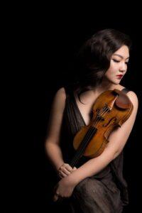 JinJoo Cho with violin