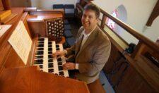 Joseph Ripka at organ.